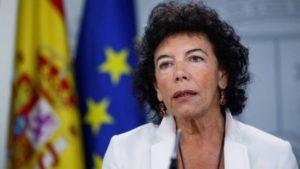 La ministra portavoz, Isabel Celaá, durante la rueda de prensa porterior al Consejo de Ministros, esta mañana en Madrid.